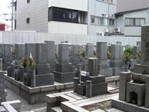 境内墓地風景