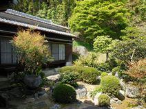 山内の庭園