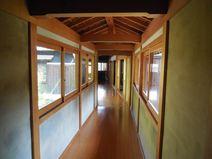 庫裡と書院間の渡り廊下