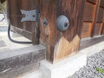 山門の柱の細工