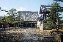 常見寺山門