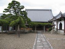 常見寺本堂