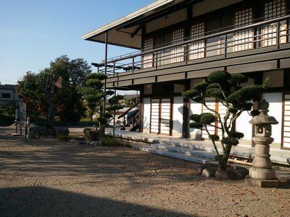 東仙寺本堂と1階法要施設