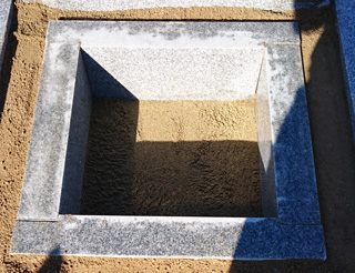 カロート(納骨棺)設置